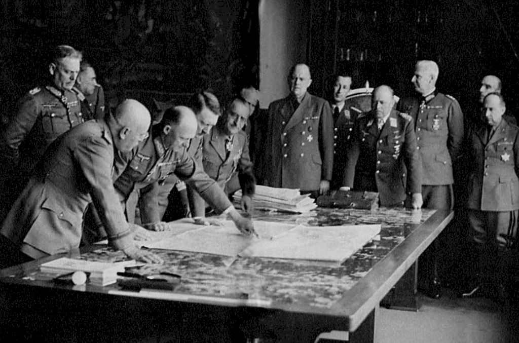 Mussolini meeting with Hitler to discuss the Mediterranean strategy in April 1942. On far right is General Antonio Gandin, chief of the planning team created for Esigenza C3 / Operation Herkules.