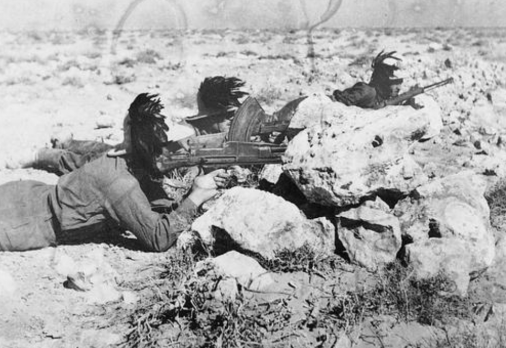 Bersaglieri firing on Commonwealth forces in North Africa.