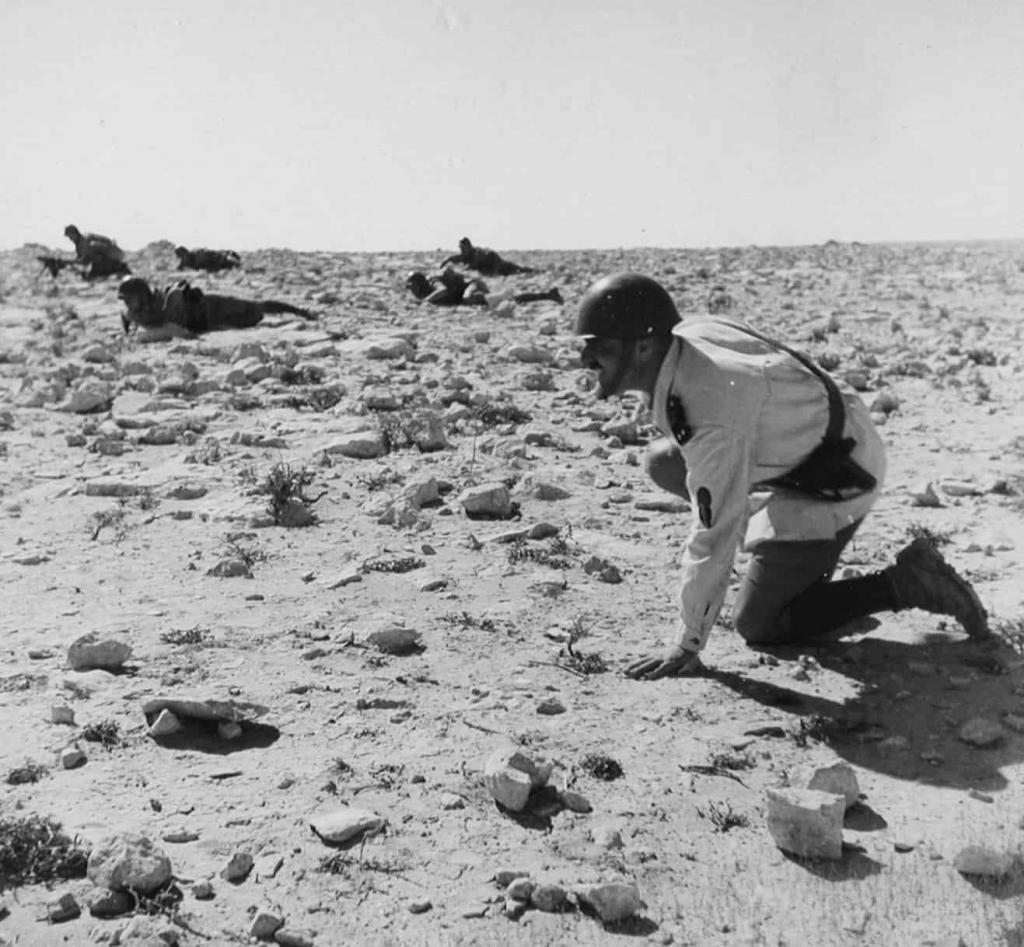 Italian infantry advances at El Alamein.