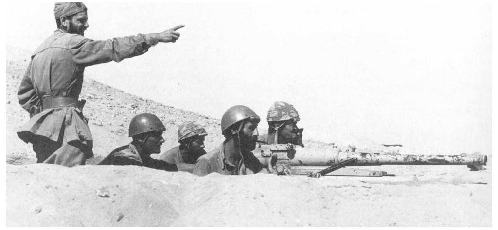 Folgore preparing to fire artillery during the first battle of El Alamein.