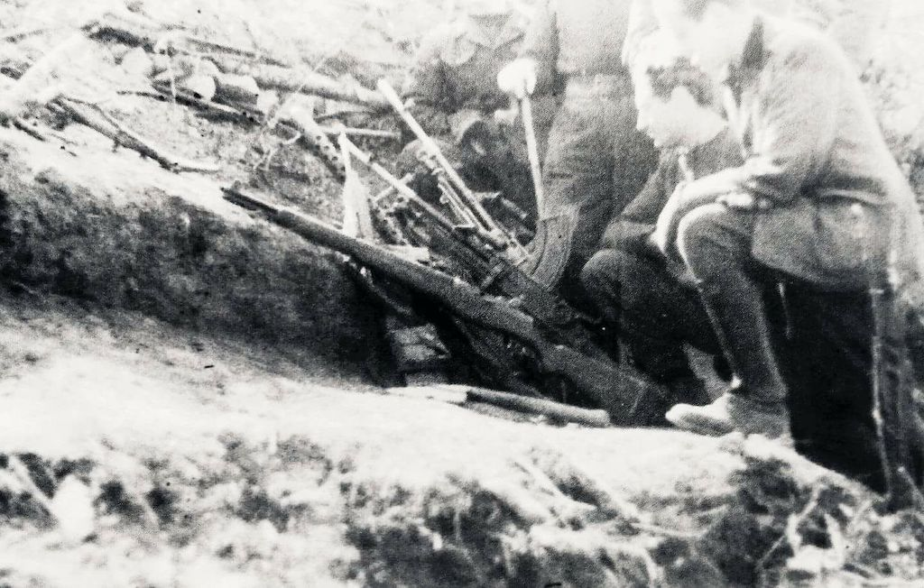 Anglo-American weapons seized by Monterosa Division in Operation Wintergewitter / Battle of Garfagnana.