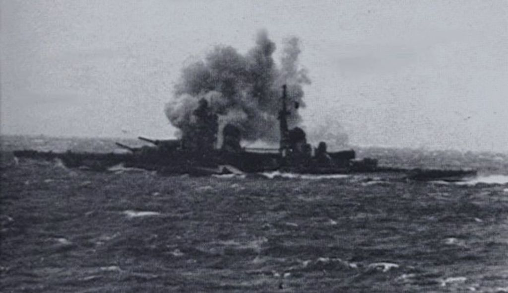 Gorizia firing on Royal Navy Destroyers in the Second Battle of Sirte on 22 March 1942.