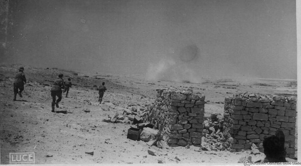Regio Esercito in action, June 1942, Mersa Matruh.