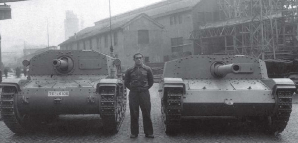 A size comparison of the Semovente da 75/18 (L) and Semovente da 105/25 (R).