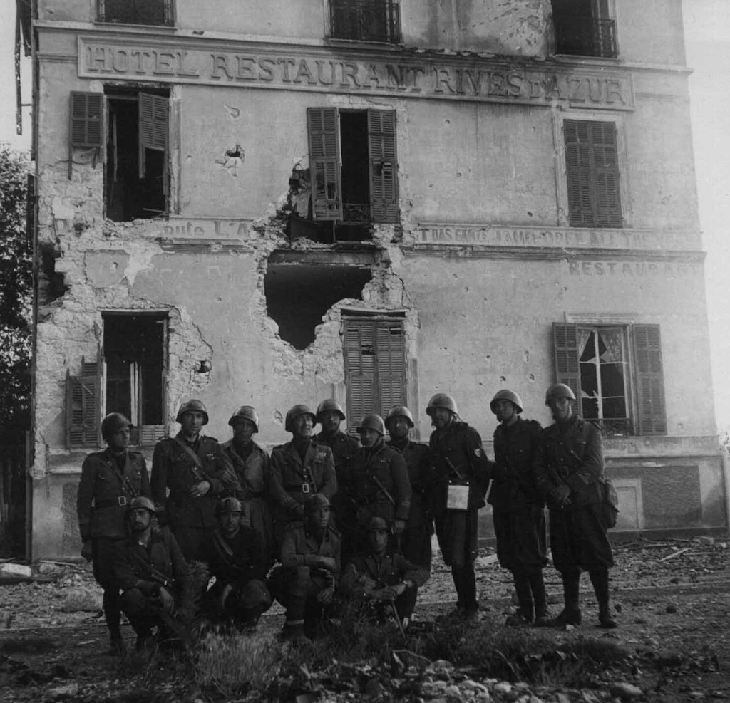 Italian troops occupying the French town of Menton.