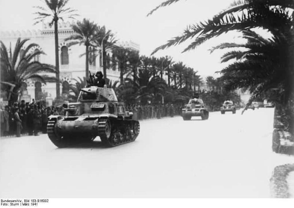 A parade of M13/40 tanks of the Brigata Corazzata Speciale in Tripoli, March 1941. Image: Bundesarchiv_Bild_183-B16002