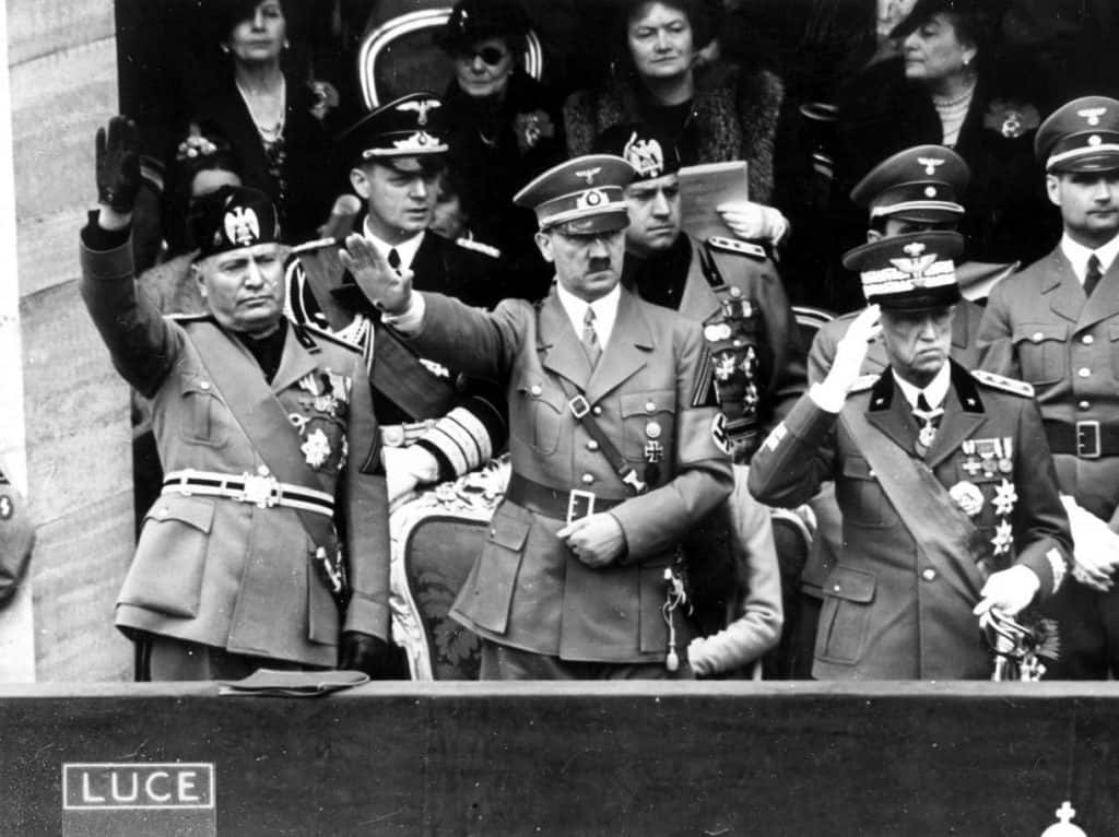 (L to R) Benito Mussolini, Adolf Hitler and King Vittorio Emanuele III.