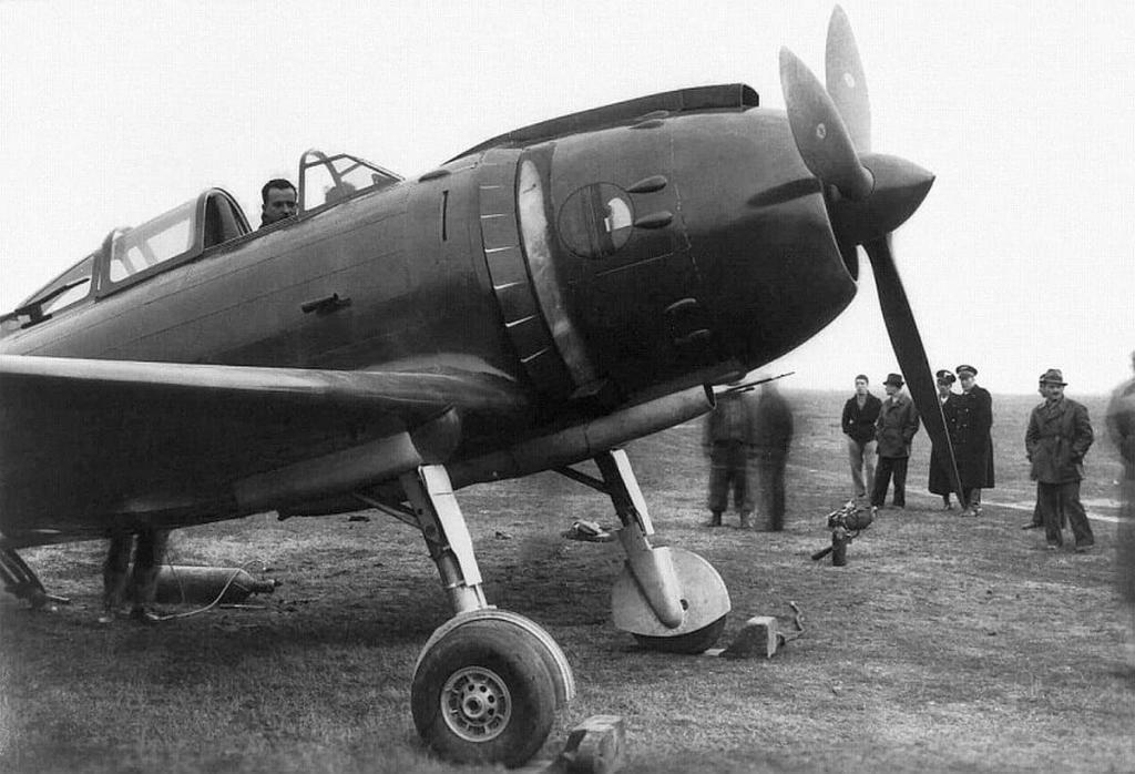 Reggiane Re.2002 prototype.