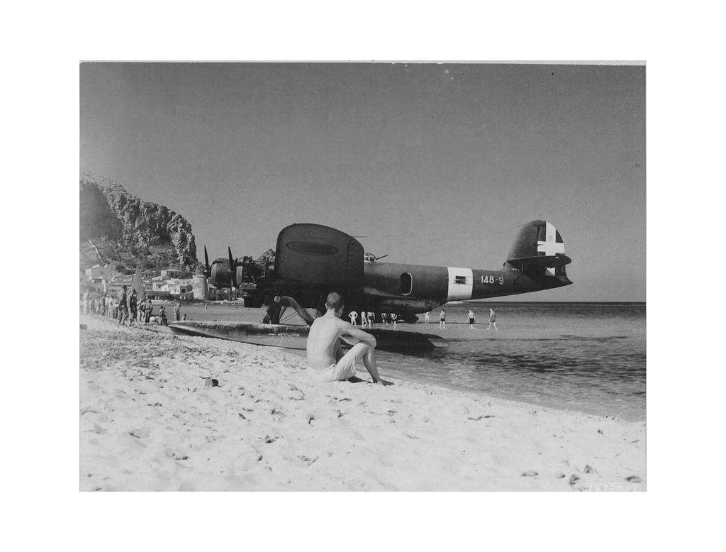 A CANT Z.506 parked at the beach.