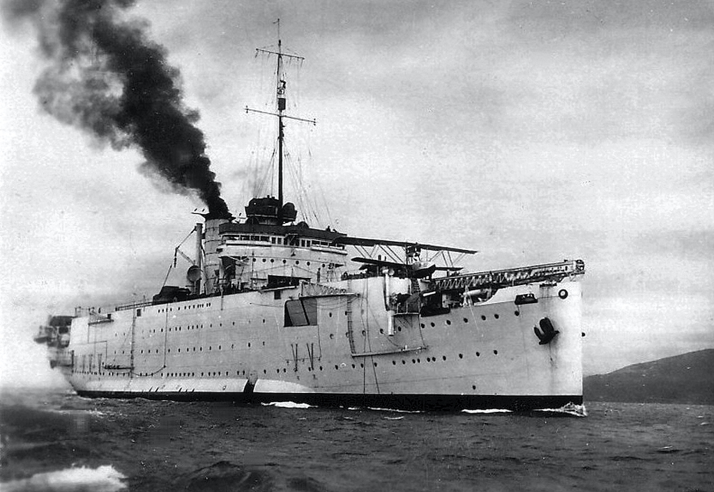 One of the lesser known vessels, the RN Giuseppe Miraglia in 1939.