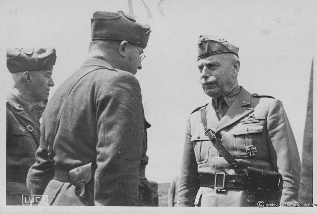 Generale d'armata Italo Gariboldi (R) on the Russian Front.