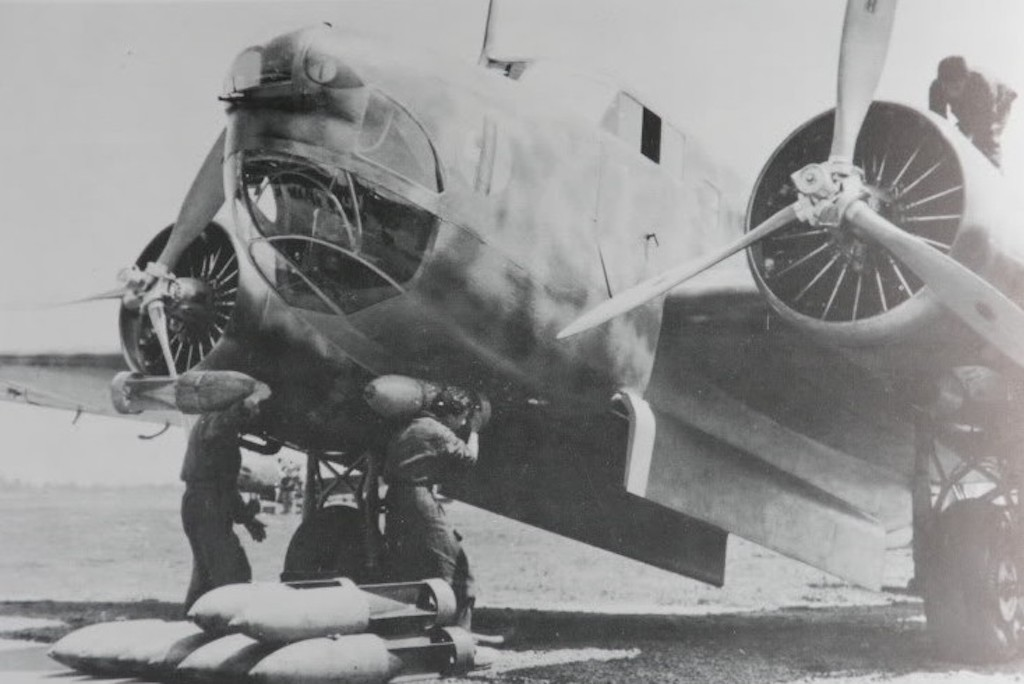 This Fiat is being bombed up manually. Not unusual at the time. It was very flexible as to types and sizes of bombs.