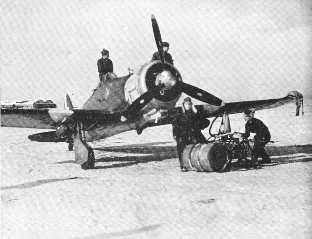 A Saetta on the eastern front in Russia, 1942. Notice the two 100 kg bombs strapped to the wings.