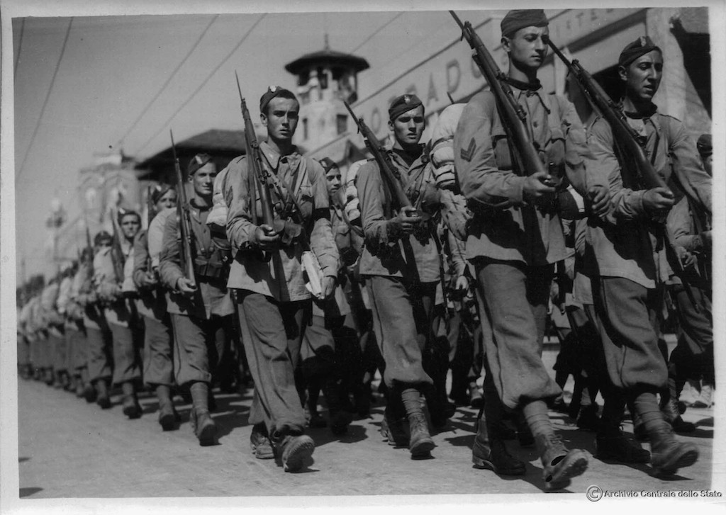 G.I.L marching in Padova in September 1940.