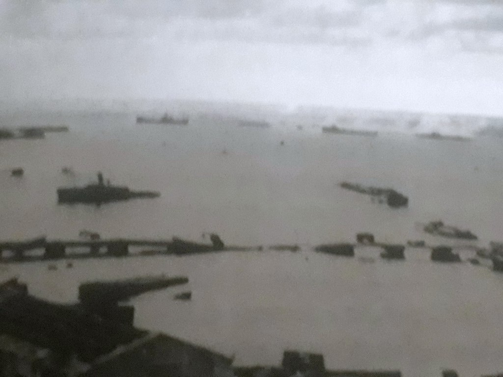 The Italian torpedo boats Castore and Montanari firing upon British MTBs at Tobruk harbor, part of Force A, Operation Agreement, 14 September 1942.