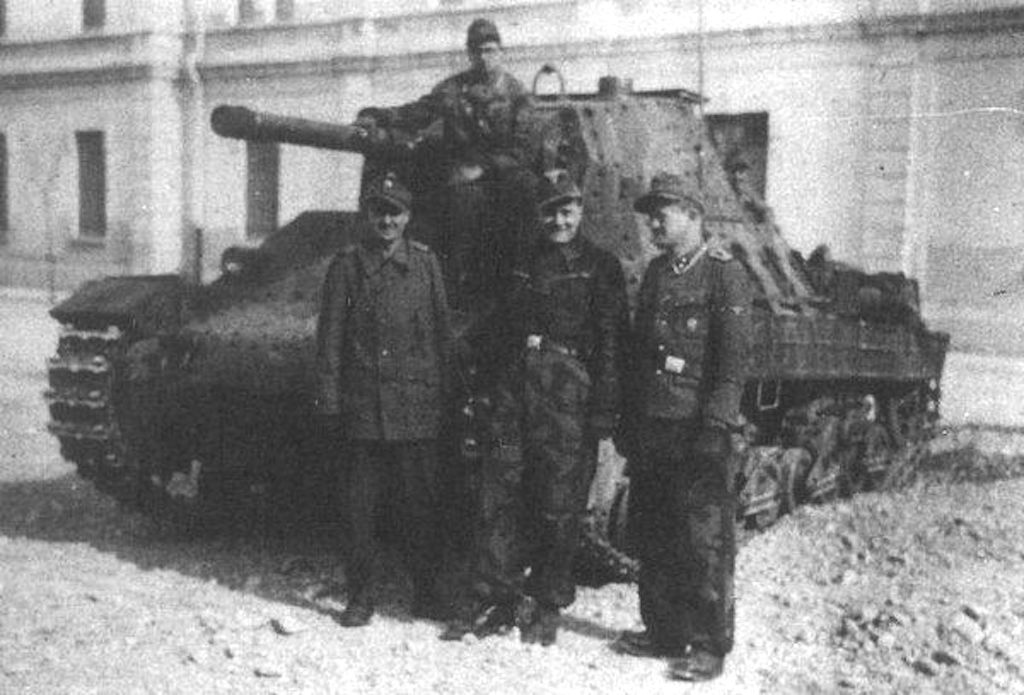 Ordnungspolizei forces with a P40 tank